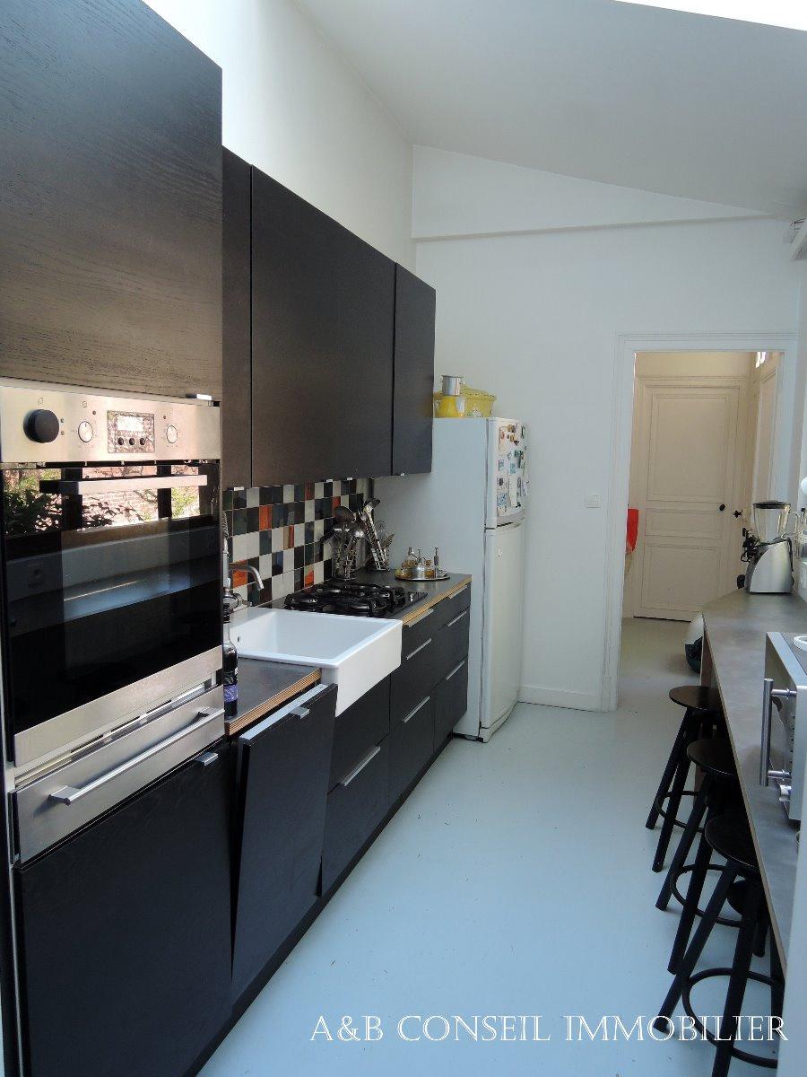 vente troyes centre vente d 39 une maison familiale offrant. Black Bedroom Furniture Sets. Home Design Ideas
